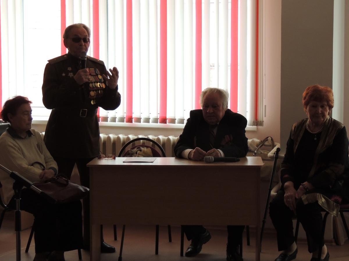 Гости: ветераны ВОВ, труженники тыла, дети войны